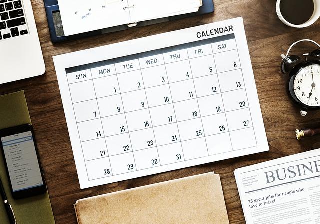 机に置かれた予定表